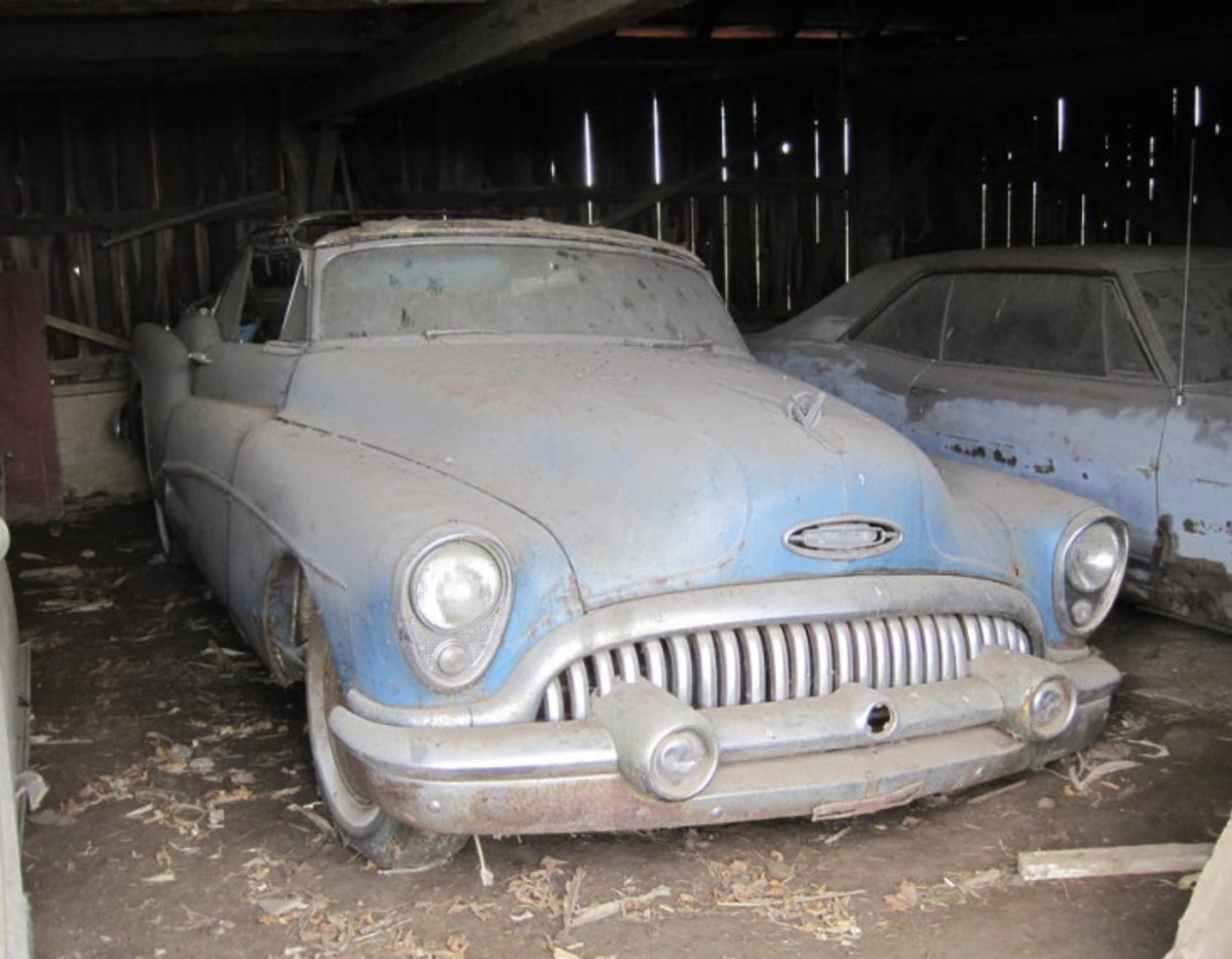 A 1953 Buick Skylark is a hot item, and bidding has been hot on this project, which is being offered in the W. Yoder Auction, LLC sale of the Jack Slattery collection. The sale is set for Nov. 4 but online bidding has been ongoing.