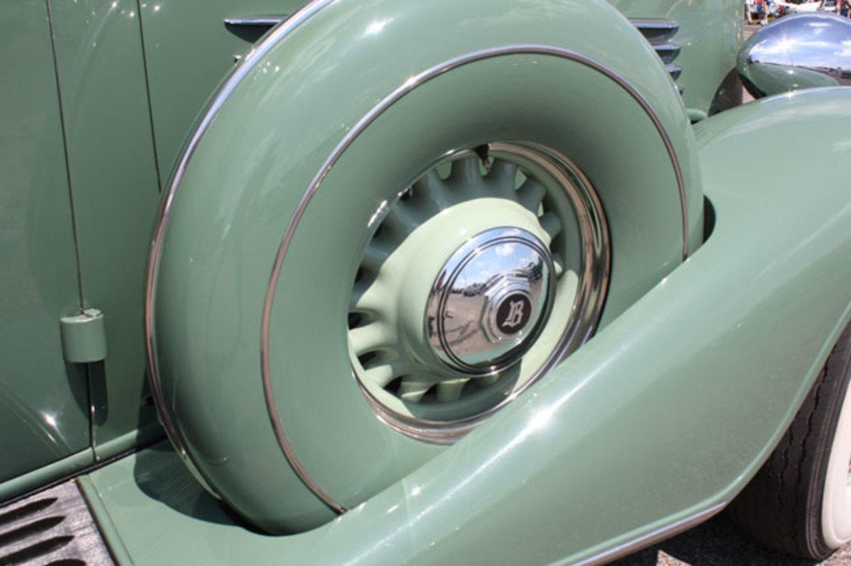 1934-Buick-sidemount