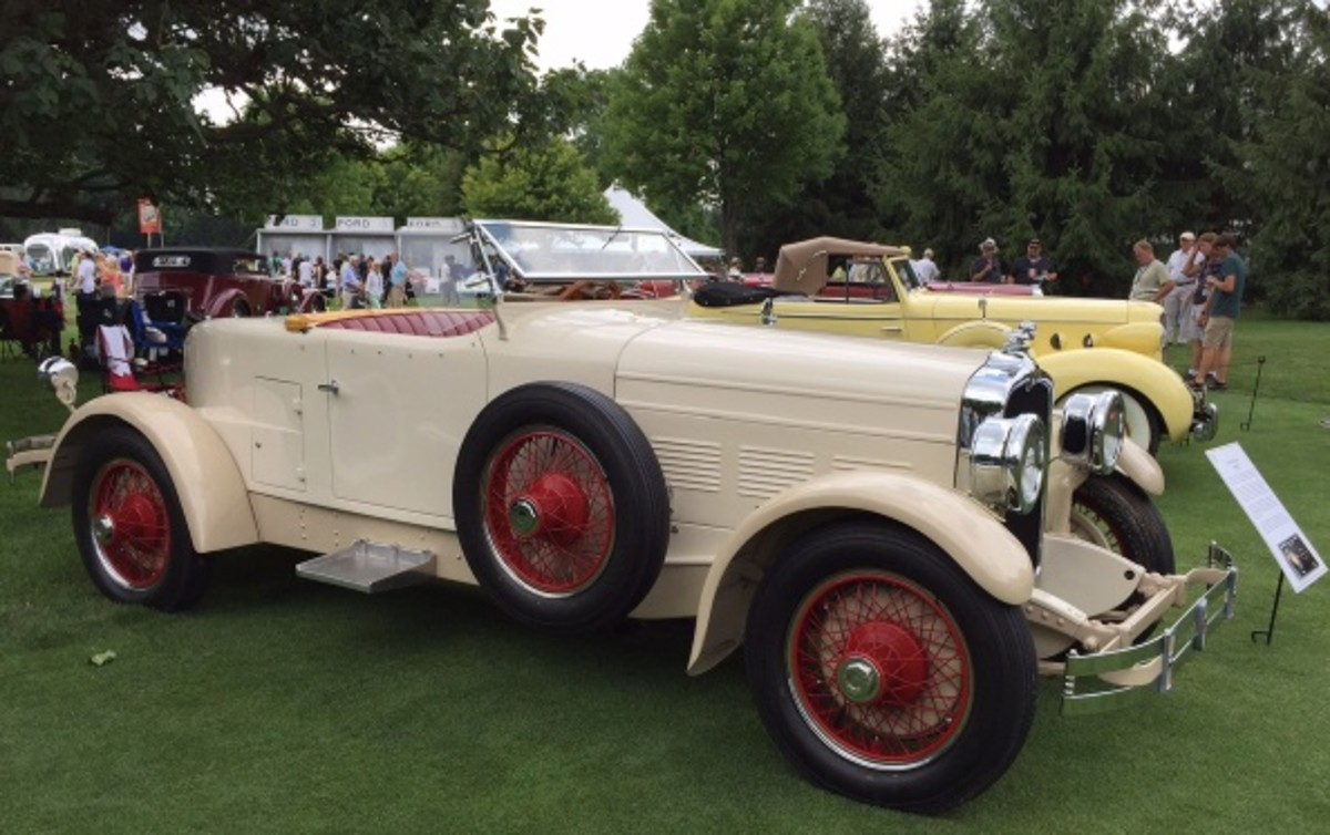 A racy 1927 Stutz Blackhawk speedster owned by Pete Todo.