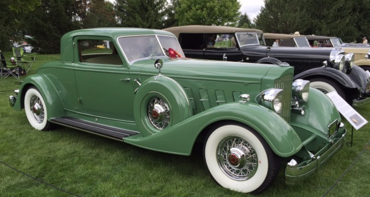 The Dietrich class was bookended by uber rare 1934 Packard coupes. Note how each of these Dietrich-bodied cars, regardless of body style or chassis, wears the split V windshield that was essentially the trademark of a Dietrich-built car during the 1930s. The split windshield on a Dietrich-built car automatically places the price tag of a Packard such as this into the six-figure range.