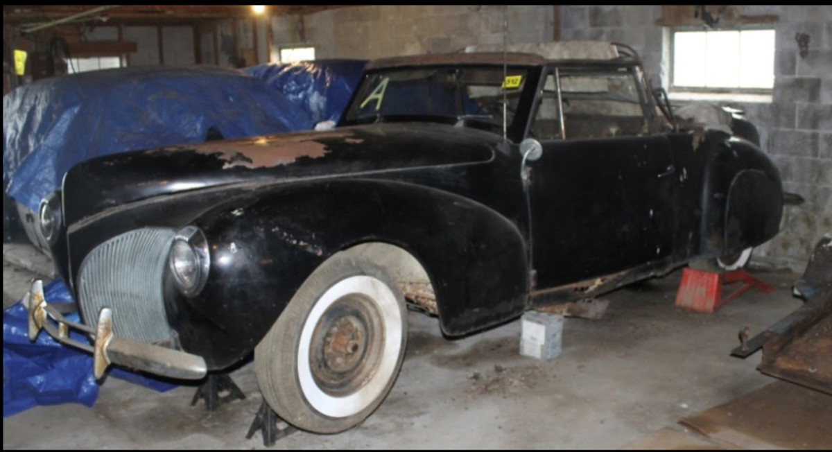 This 1940 Lincoln Continental is definitely a builder. There's also a 1946 Lincoln Continental coupe project in the sale.