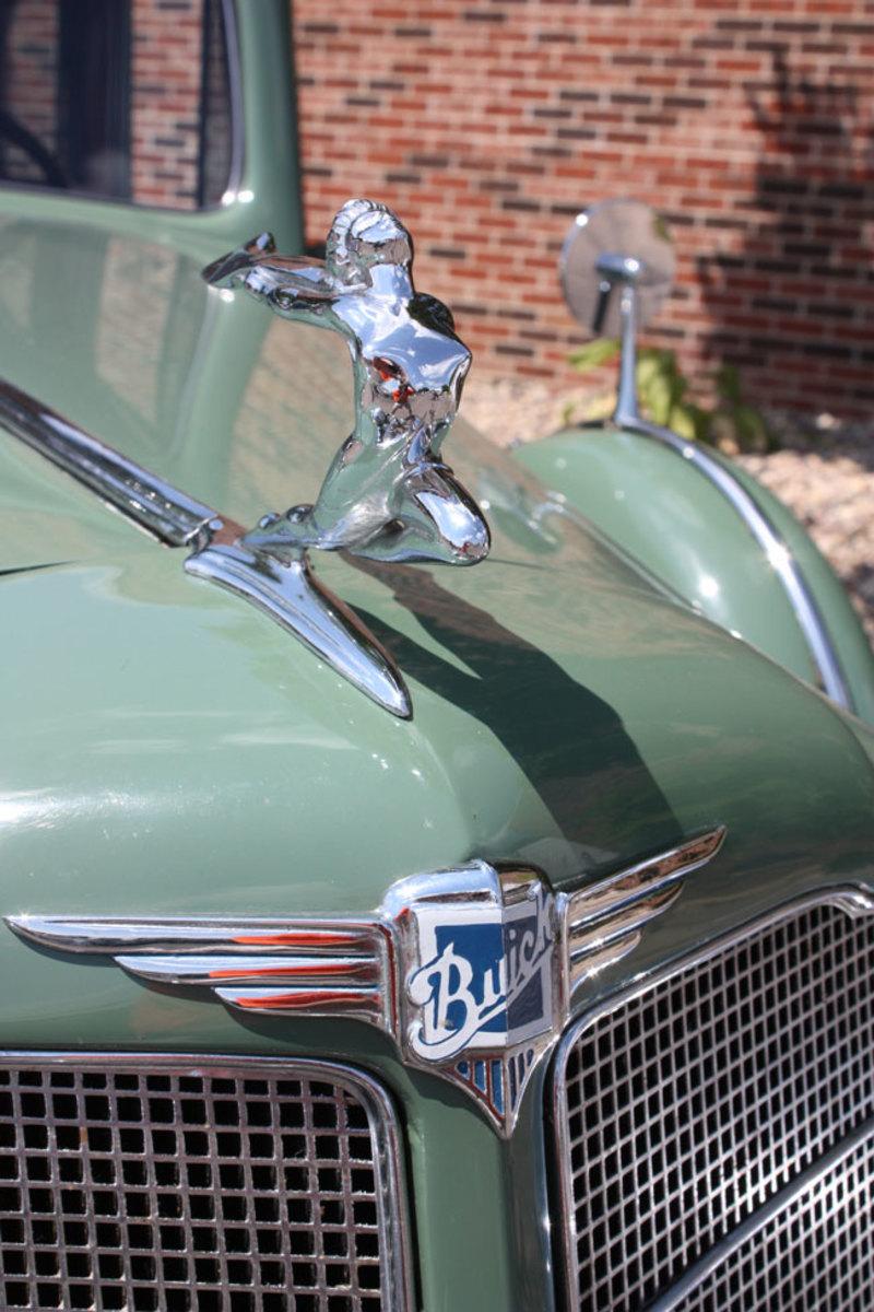 1934-Buick-ornament