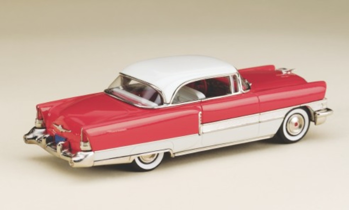 A rear view of the new 1955 Packard 400 Hardtop model in 1:43 scale by Brooklin Models. Note the accurate red-painted cathedral tail lamps and that tiny deck ornament.