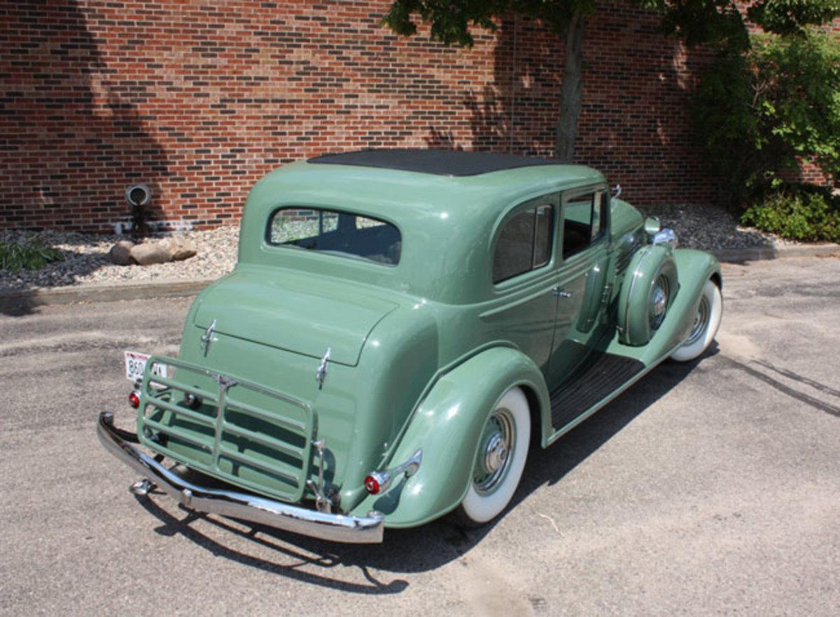 1934-Buick-rear1