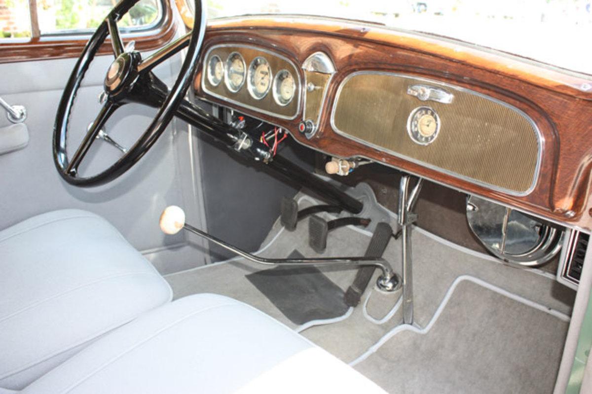1934-Buick-interior1