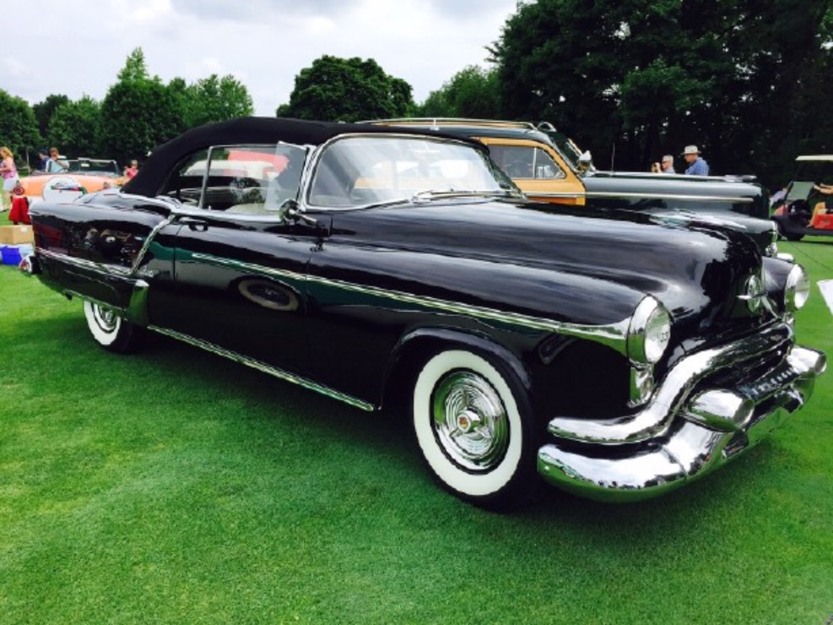 The only all-black version of the 1953 Oldsmobile Fiesta, of which only 458 were built. Too bad there weren't more built, and in this color!