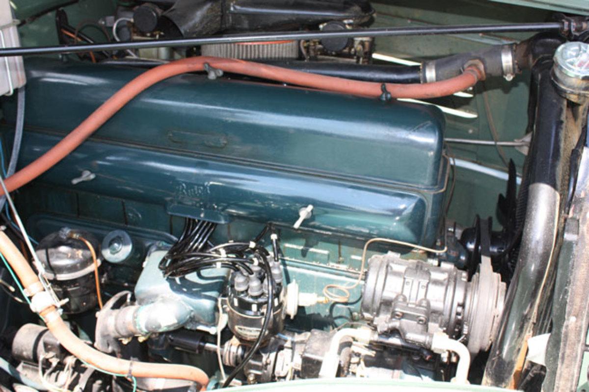 1934-Buick-engine