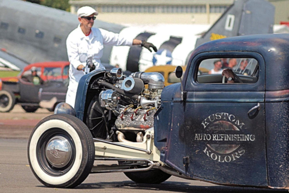 Dave Saunders also enjoys taking photos at a drag strip in England.