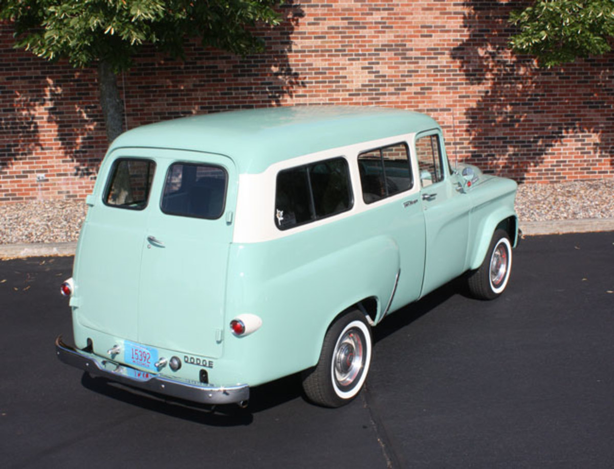 1965-Town-Wagon-12