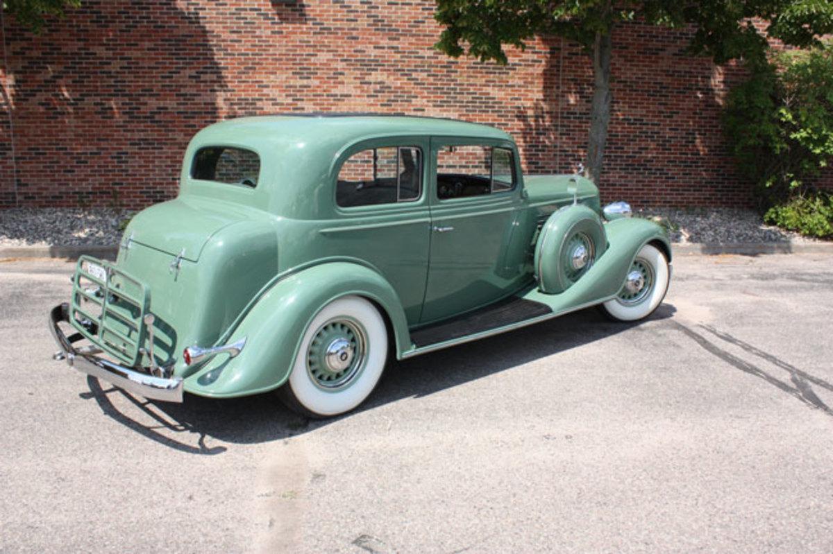 1934-Buick-rear2