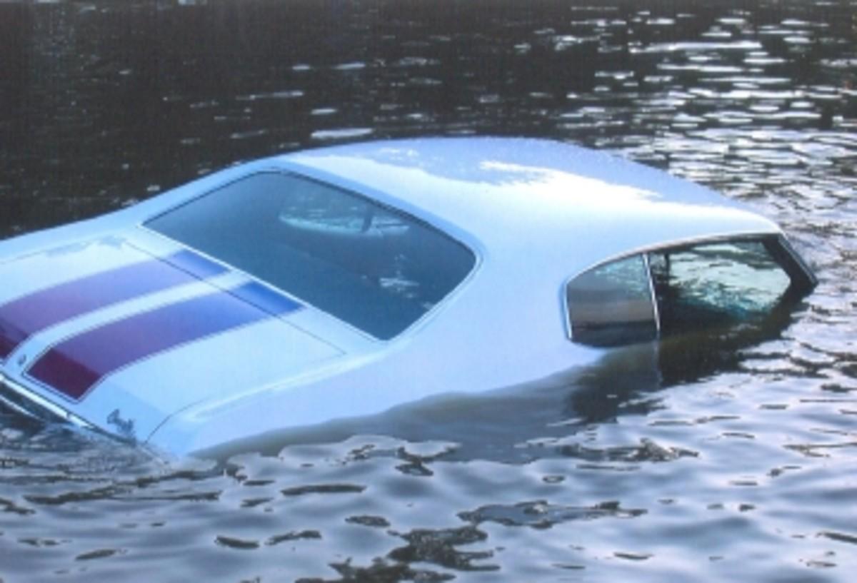 sunken.car.jpg