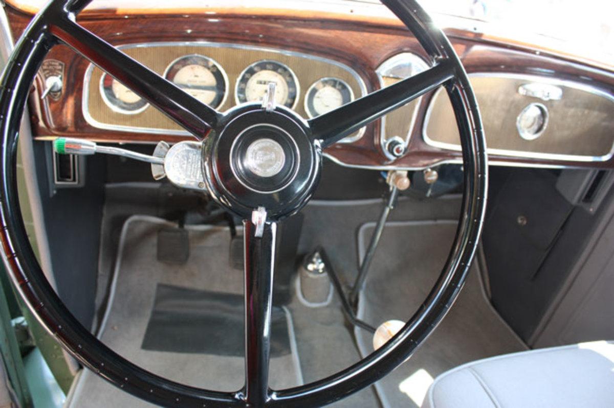 1934-Buick-dash