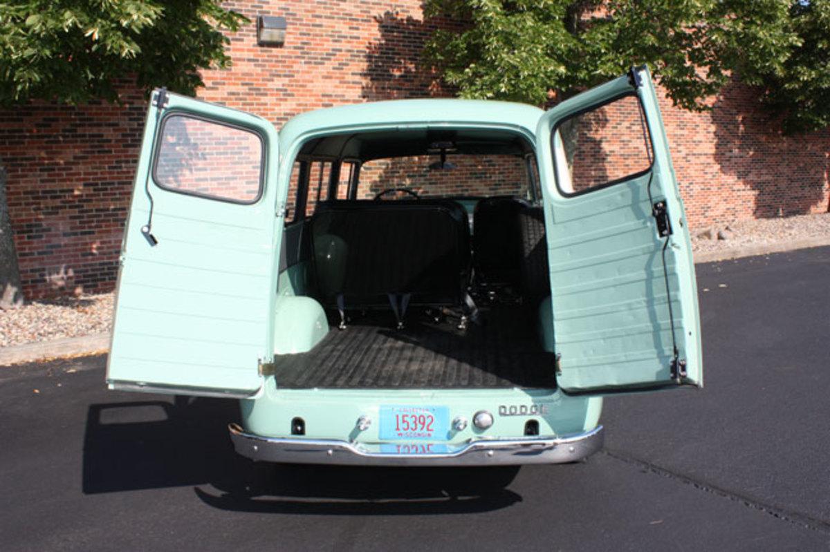 1965-Town--Wagon-14