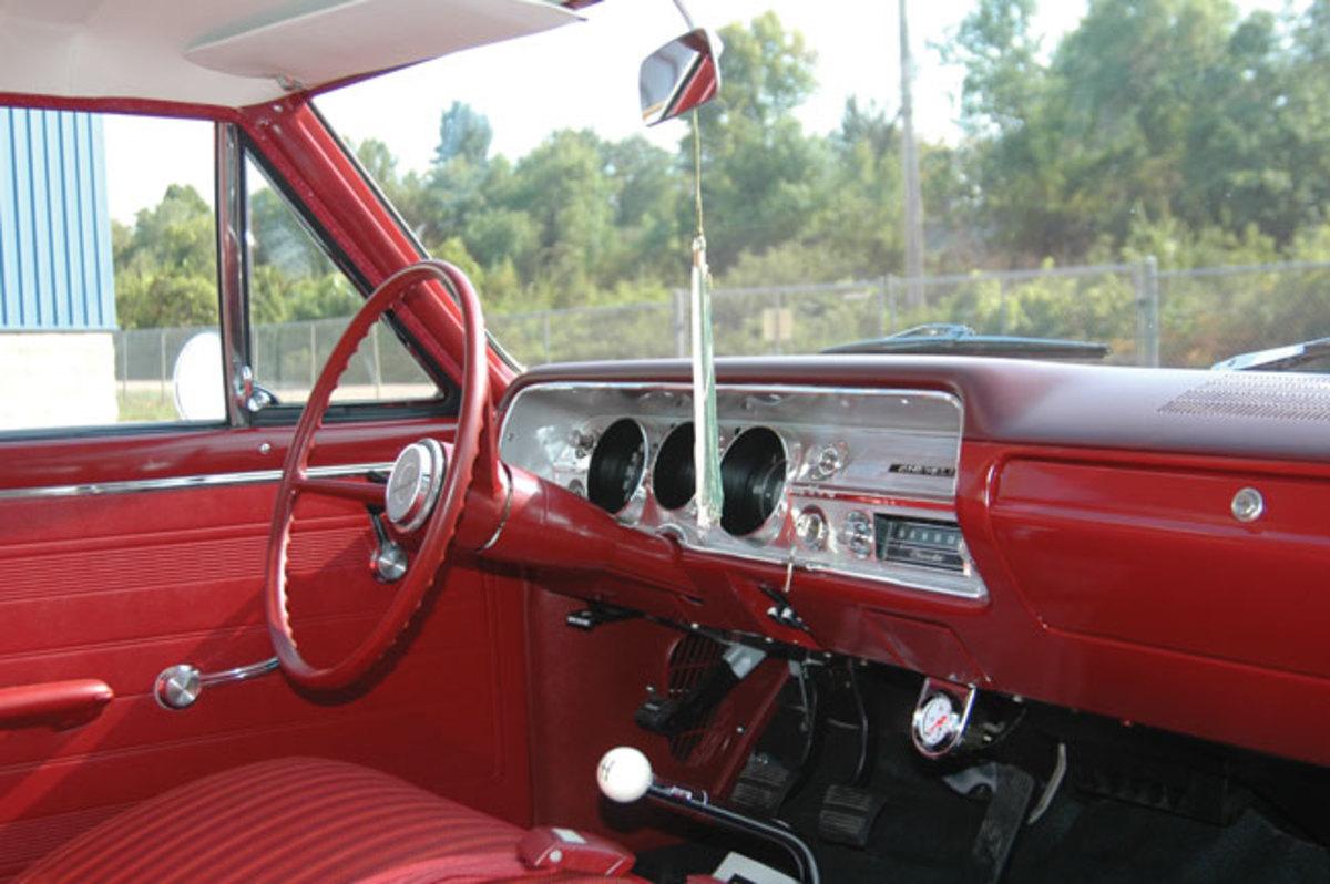 1965-Chevelle-300-4