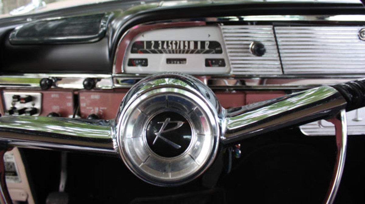 1959-Rambler-wheel