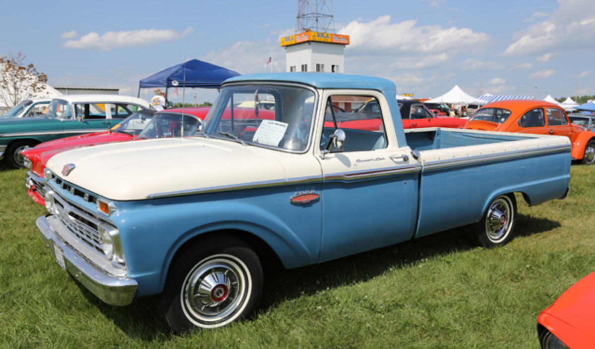 Owner Nathan Britz didn't have but a half hour to drive his local gem to IOLA '14. His recently purchased 1966 Ford F-100 stood tall in the postwar showfield with its blue-and-white paint scheme.