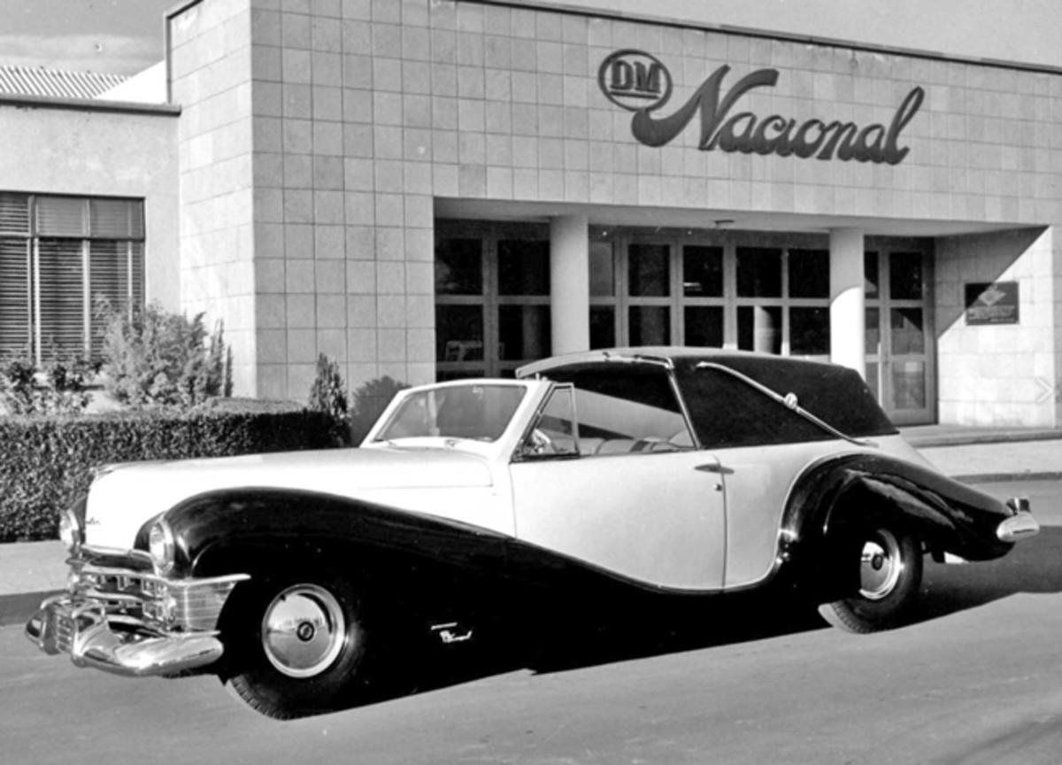 "1950 Chrysler ""Sedanca DeVille"" by D.M. Nacional"