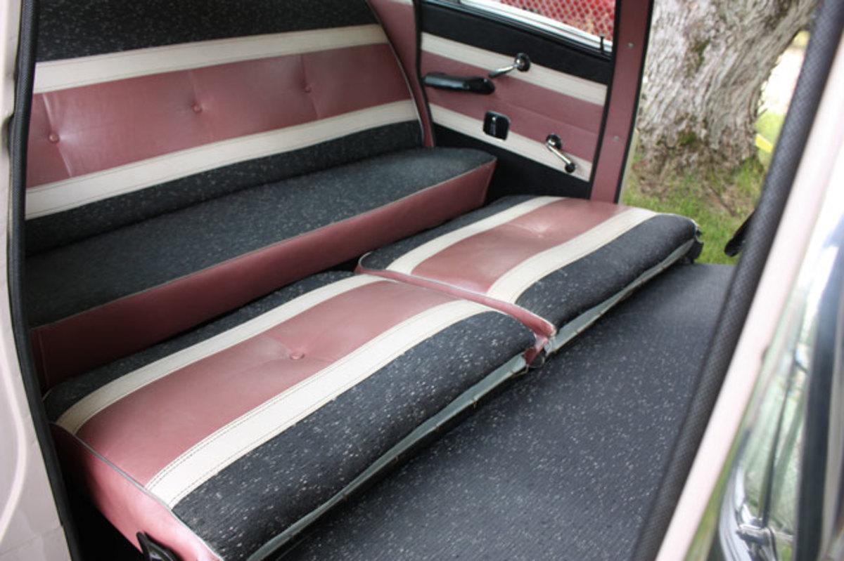 1959-Rambler-backseat2