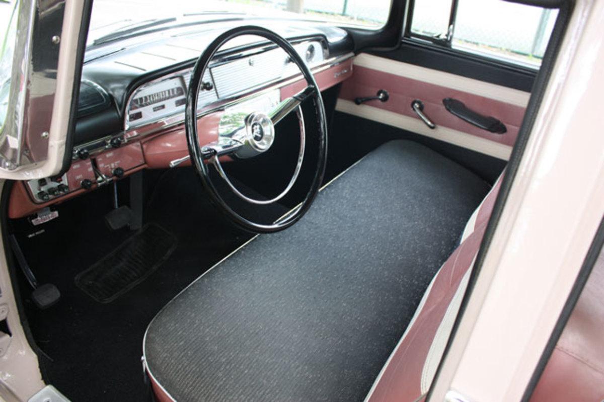 1959-Rambler-interior