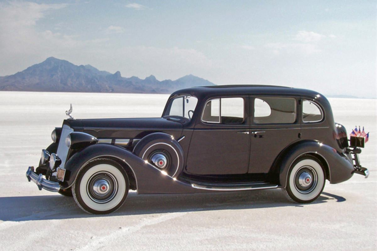 937 Packard Super Eight 1500 Touring Sedan - Hillsborough Concoursd'Elegance