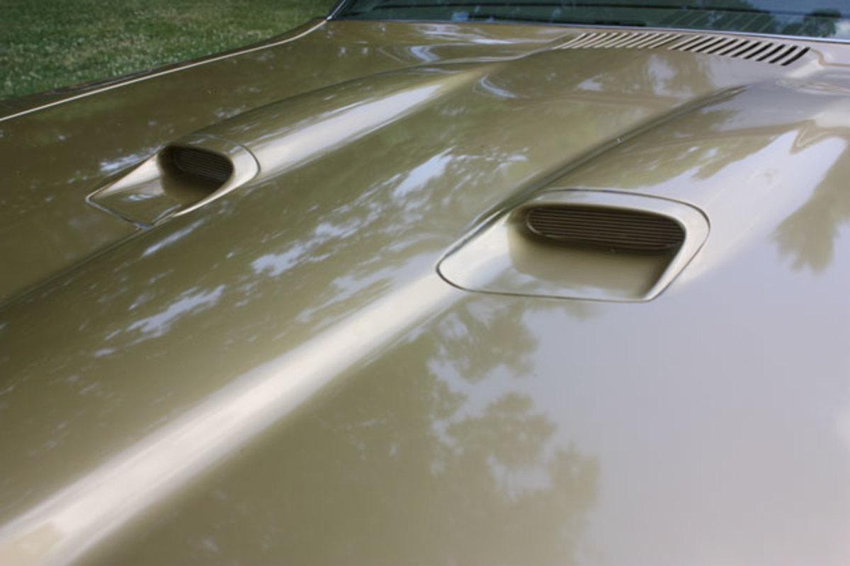 1970-GTO-hood