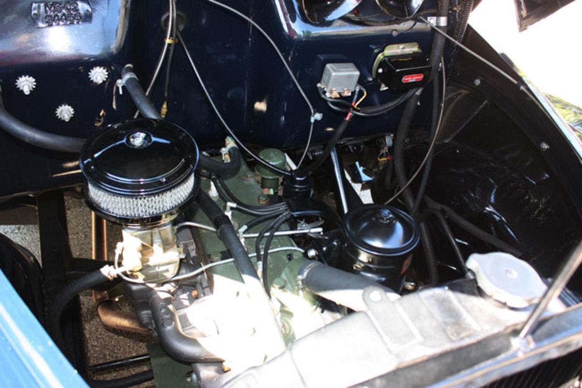1947-Studebaker-pickup-engine