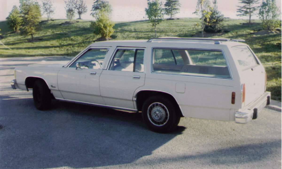 Toth found a solid, low-mileage 1986 Ford LTD station wagon with just 48,000 miles. The car even had the tan interior and manual windows of the movie car, making it easier to accurately replicate.