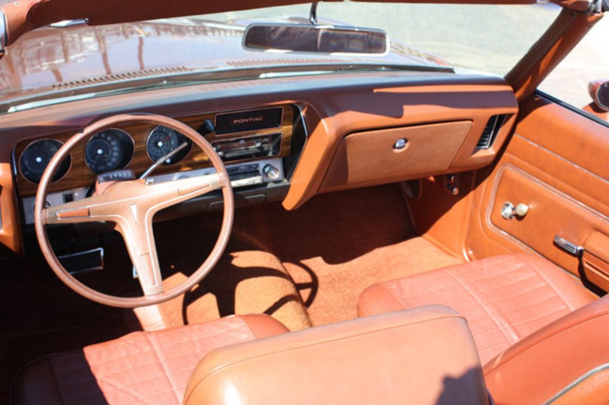 1971-Lemans-interior