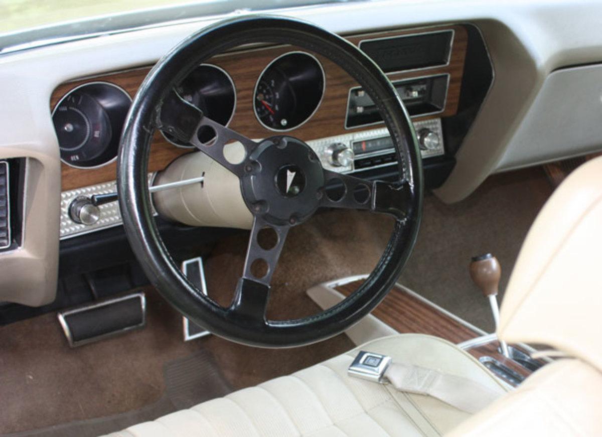1970-GTO-interior2