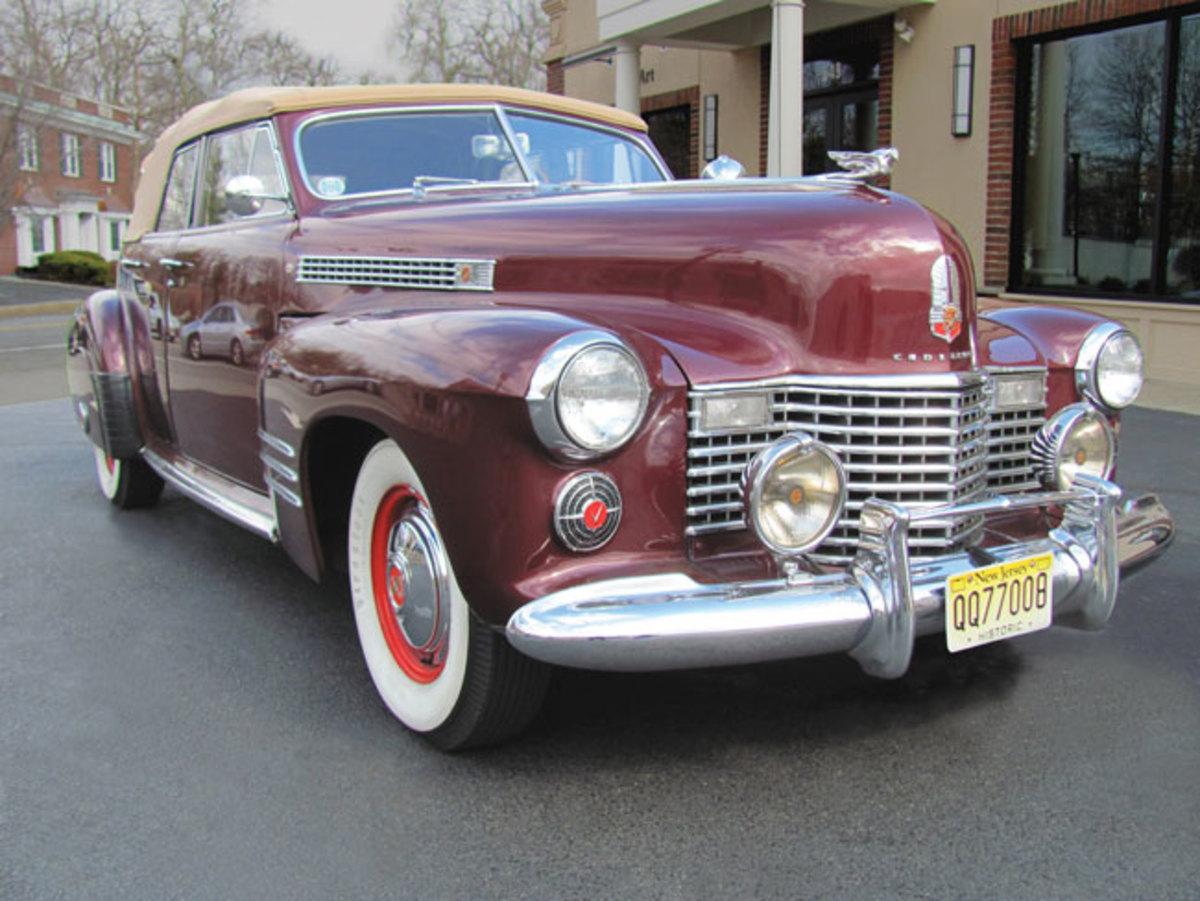 1941-Cadillac-front-quarter