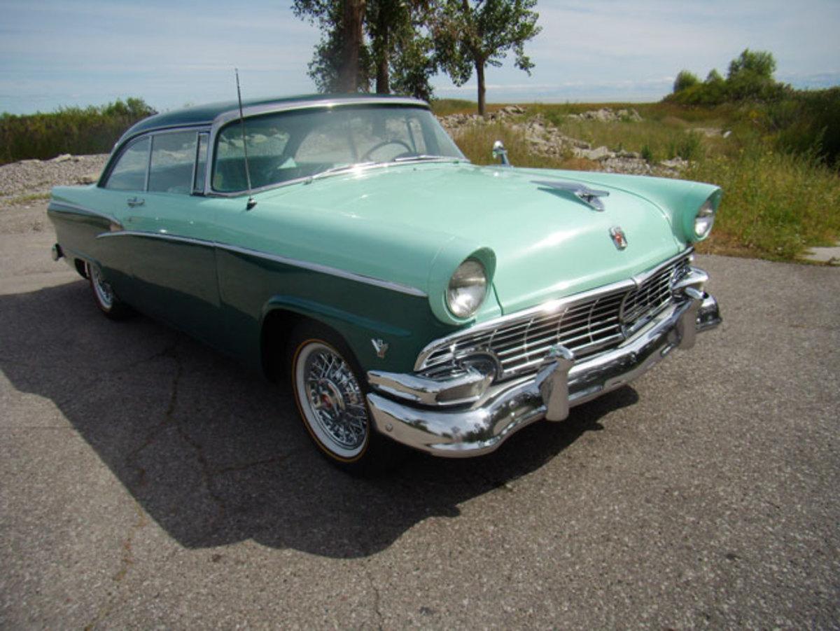 1956-Ford-frontquarter