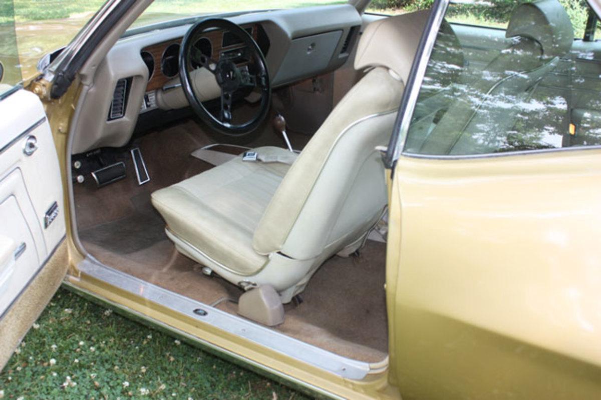 1970-GTO-interior3