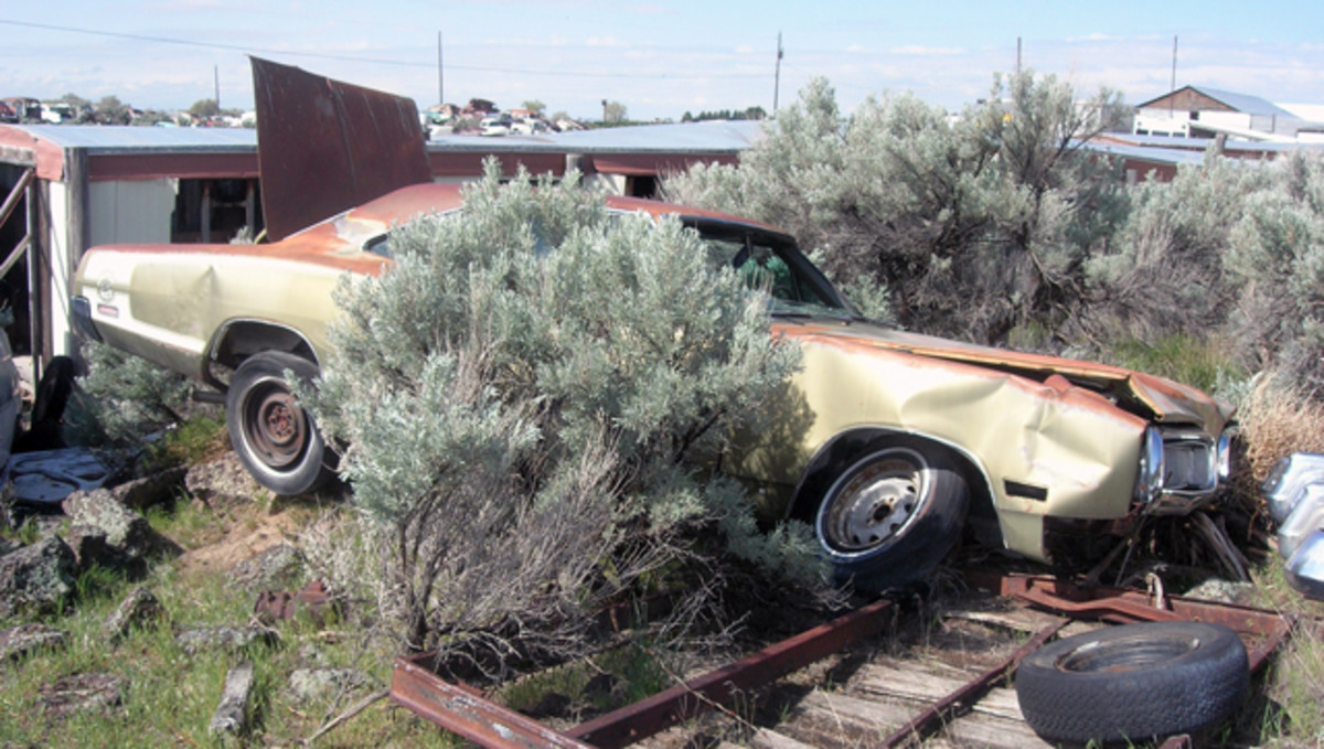 "It's difficult to find original, restorable muscle cars in salvage yards today, but this 1970 Dodge Coronet Super Bee hardtop is one. However, it falls into the category of ""ambitious, cosmetically challenged rebuilder."""