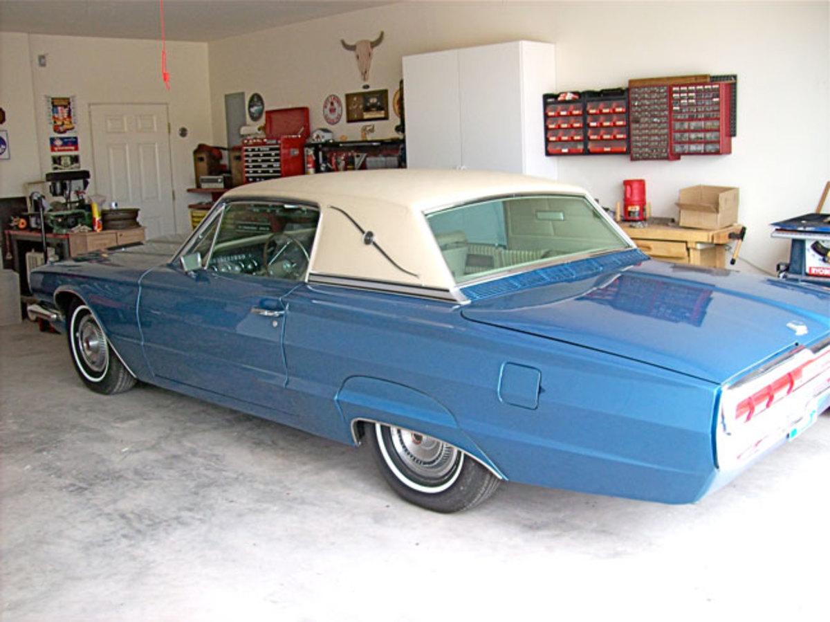 1966-Thunderbird-garage