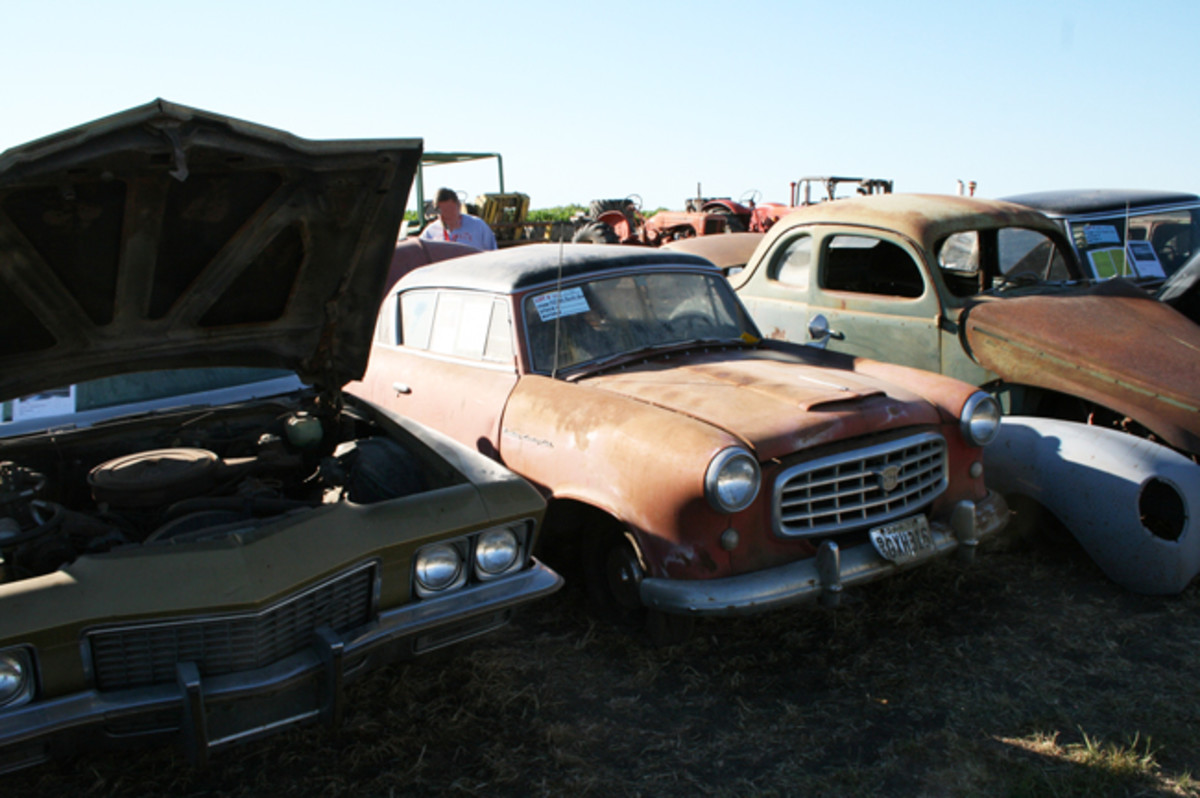 1955 Nash Rambler Country Club 2-door hardtop appeared to be all there and had a relatively rust free body. Sold for $1200.