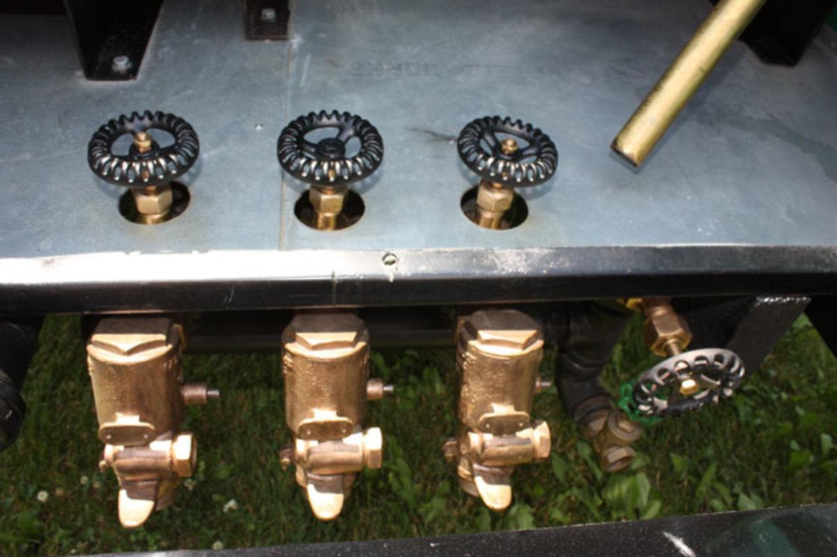 1941-IHC-plumbing