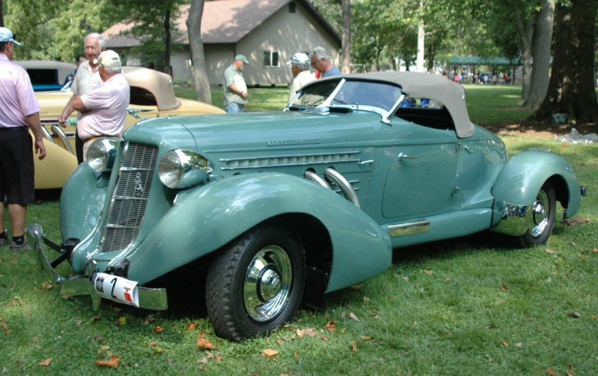 Curt and Janine Schulz' recently restored Auburn Speedster in Eckhart Park for judging before the Parade of Classics.