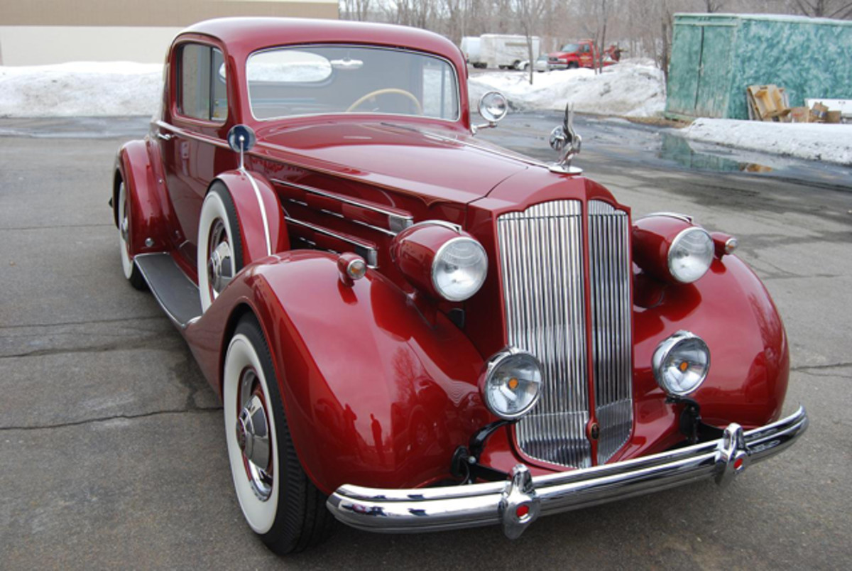 With the hood closed the Packard has a stock appearance.
