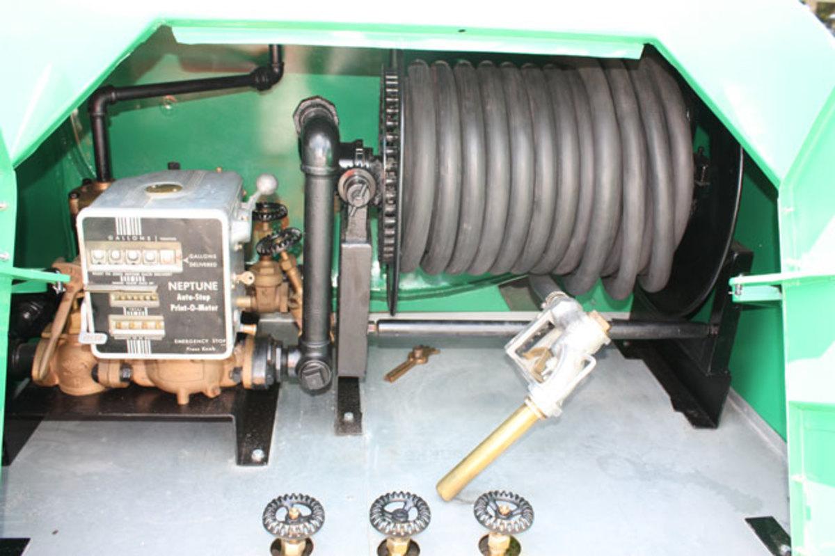 1941-IHC-hose