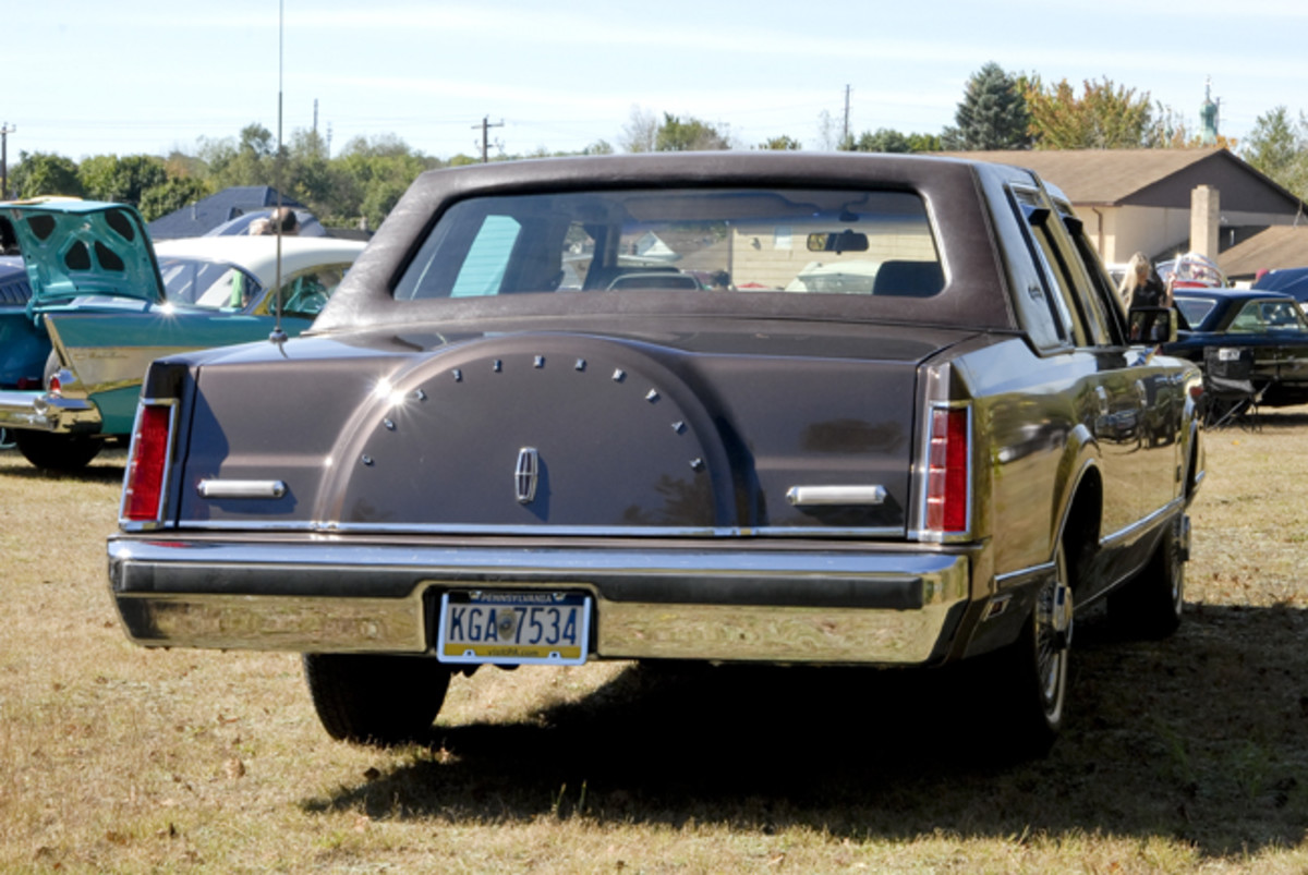 The Delray Edition certainly could be a Continental when seen from the rear, but it's actually a Lincoln Town Car that's been mildly modified by the original selling dealer.