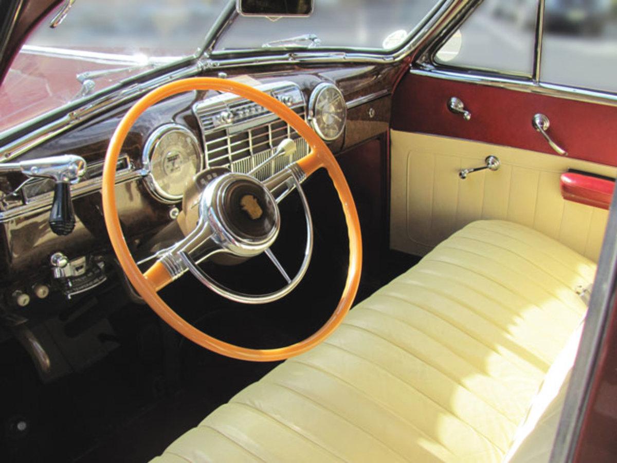 1941-Cadillac-interior