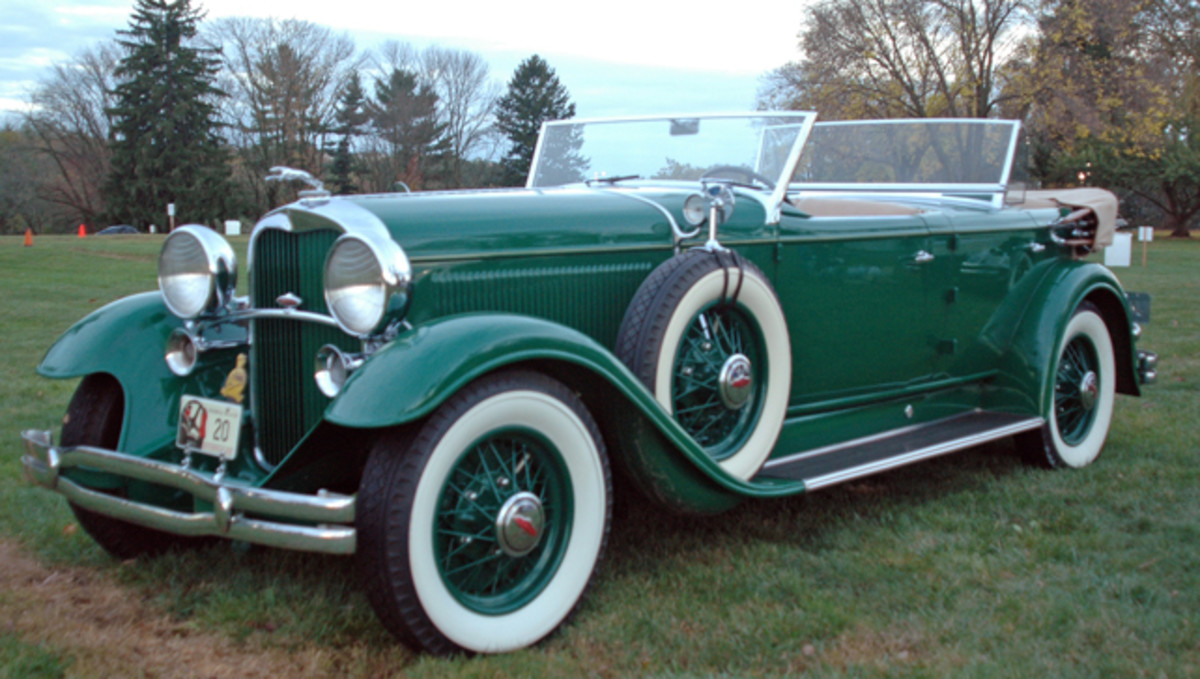 Early on the field, this 1931 Lincoln Model K with rare custom Murphy Sport Phaeton coachwork offered a preview of what would soon join it on the green.