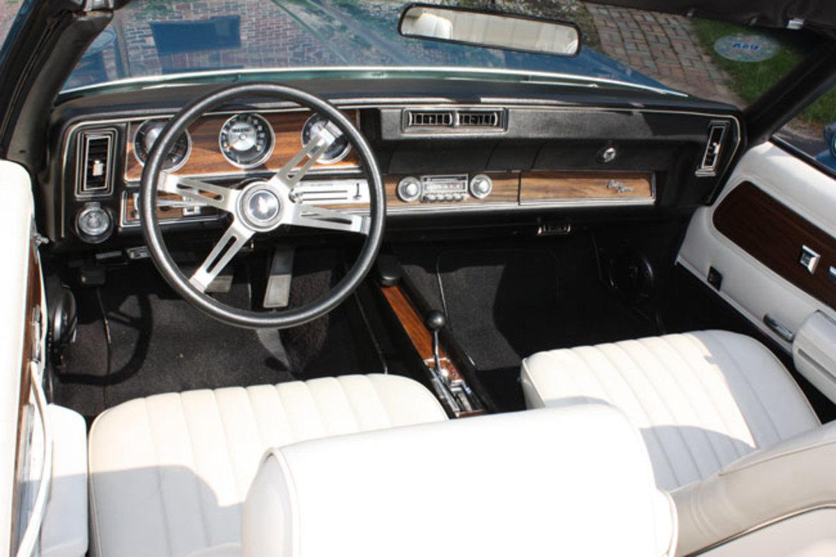 1972-Cutlass-Supreme-3
