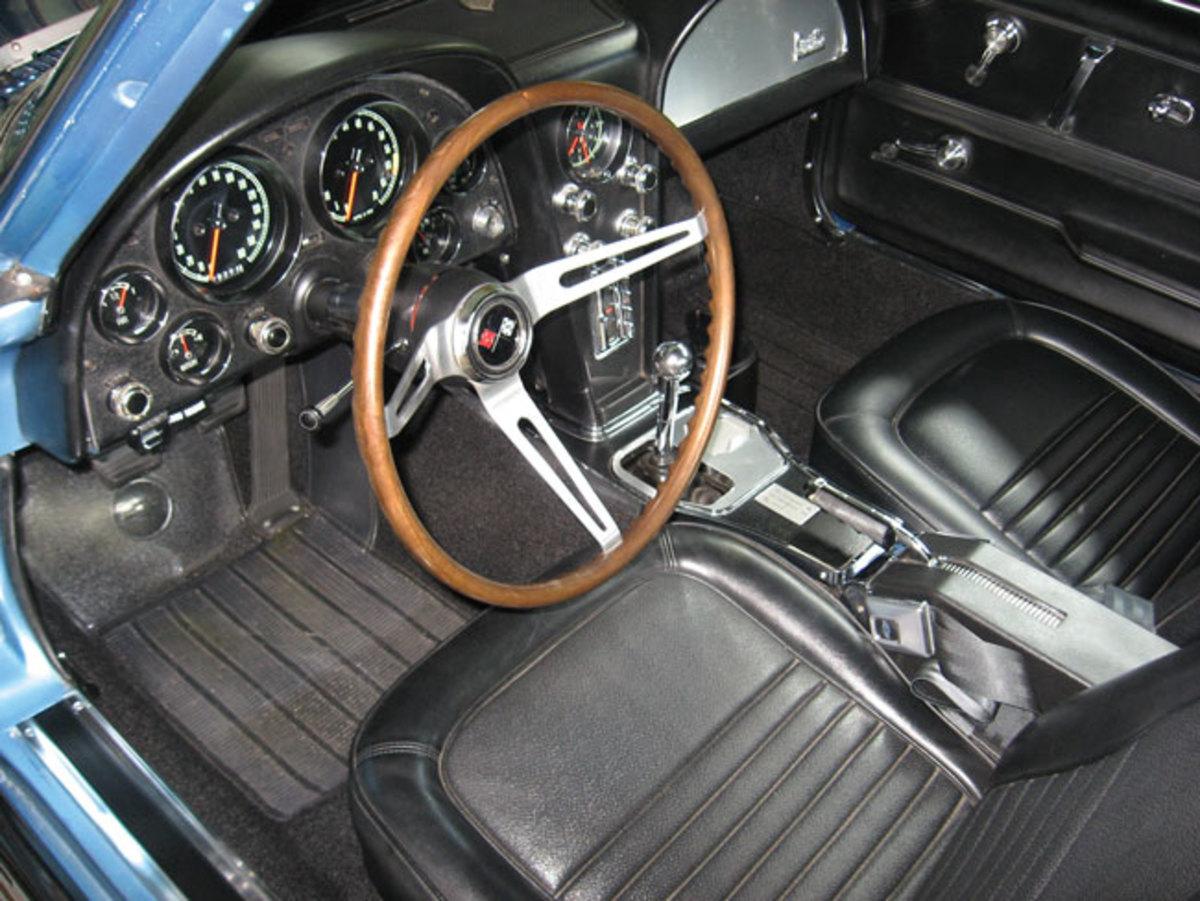 1967-Corvette-interior