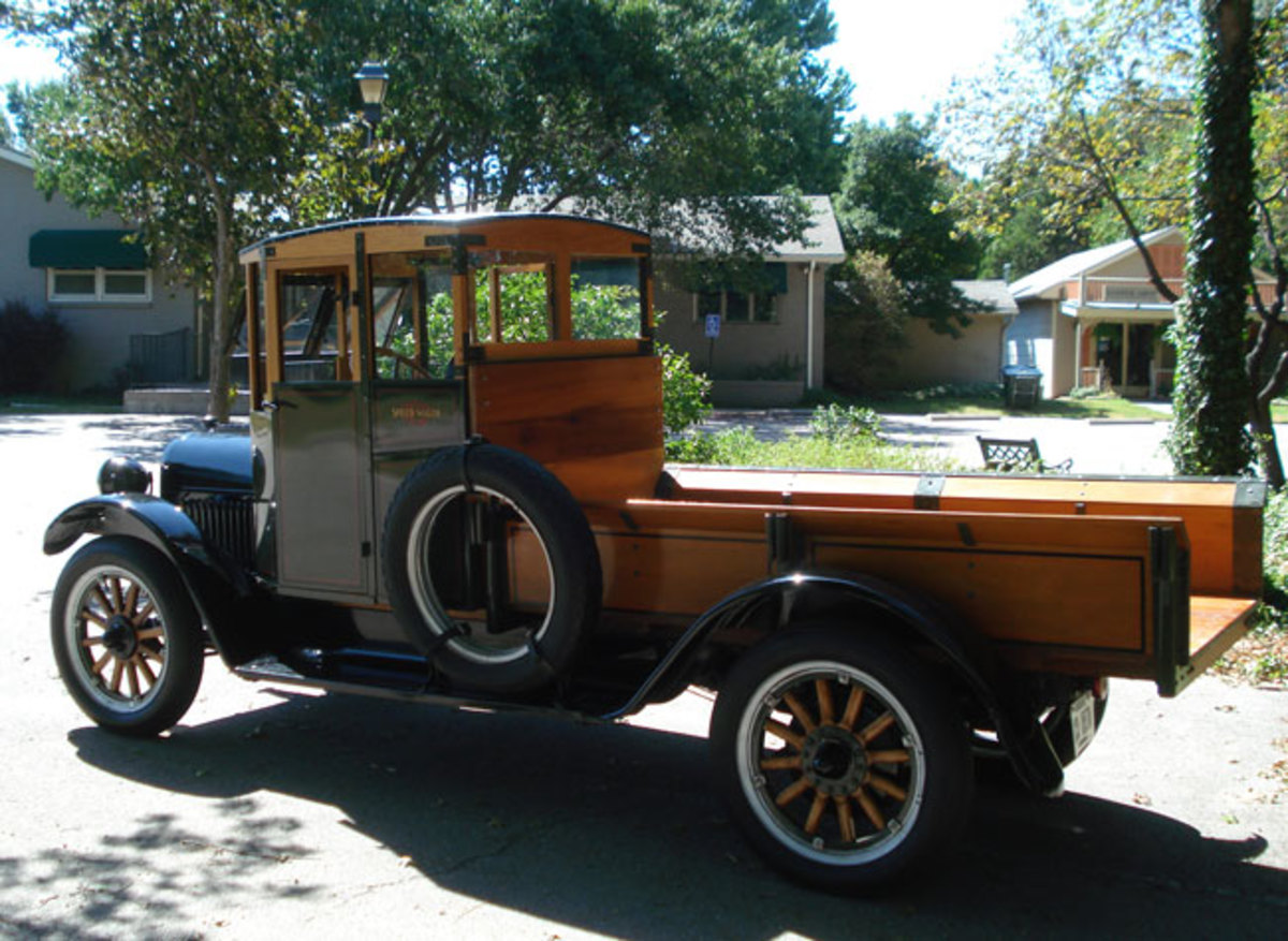 1923-Reo-driver-side