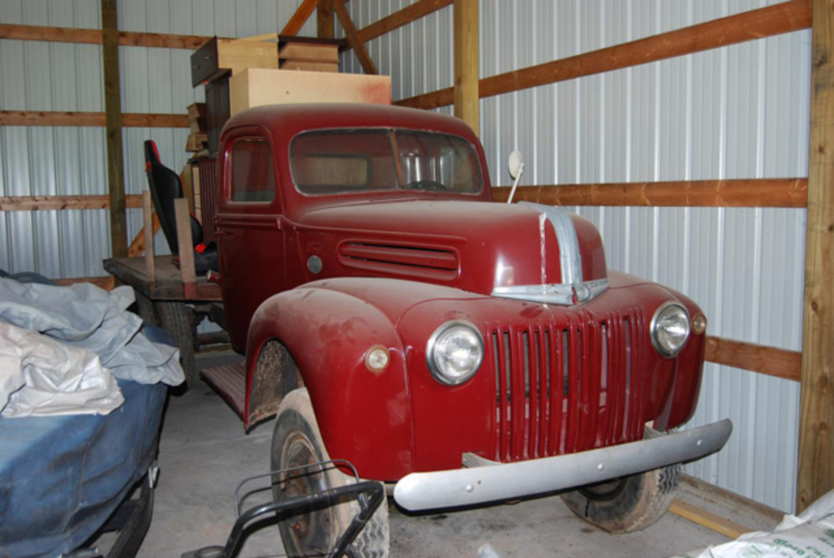 Jeff's 1944 Marmon-Herrington Ford. These have links to another truck we're trying to put out a book on.