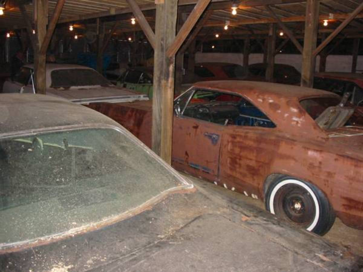 The 1970 Plymouth GTX listed in the Faarmville, Va., Craigslist ad can be seen in front of what appears to be a 1969 Dodge Coronet; is it an R/T or a Super Bee?