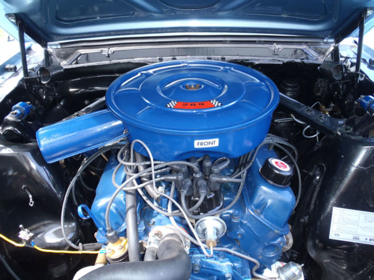 1966-Mustang-engine