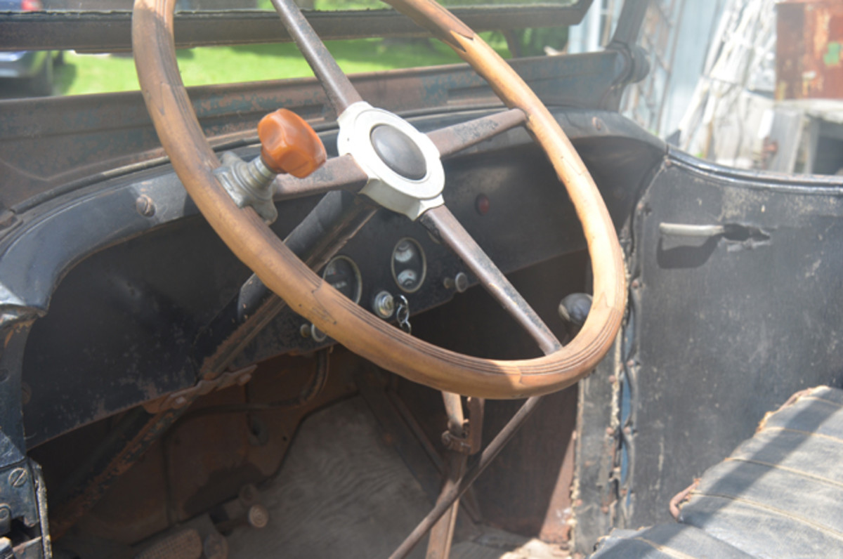 The four-piece wood steering wheel was missing a section when Mark Buttles found it in 2019, but a man in Pennsylvania supplied the missing section. The truck has about 50,000 miles and all of the gauges still work.