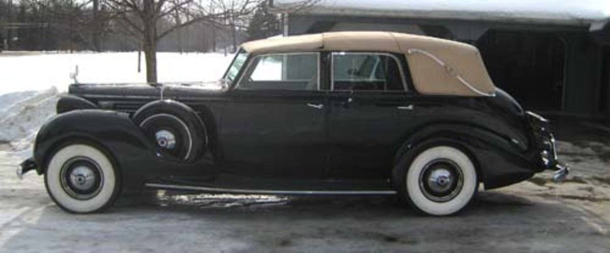 This black 1939 Packard V-12 is one of four Brunn landaulets from that year.